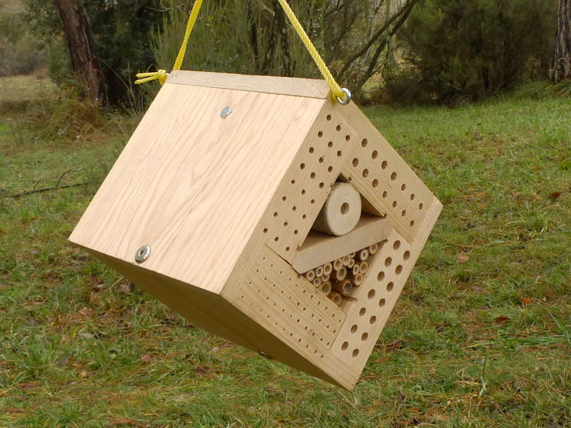 Hotel CUBIK INSECT HOTELS