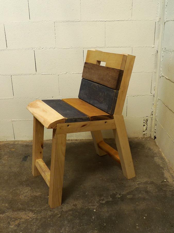 Sillas de palets with sillas de palets cool lija todas las superficies de la mesa y pntala del - Como hacer sillas con palets ...